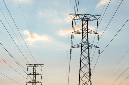 前5月三产和居民用电保持较快增长