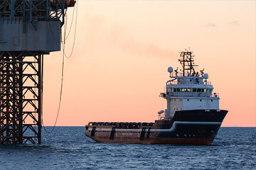 填补空白!京杭运河首艘LNG加注趸船开工