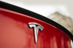 特斯拉調整Model 3銷售政策 中國制造Model 3補貼后售價降至29萬余元