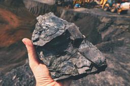 """库存创新低 多个煤矿复产化解""""燃煤""""之急"""