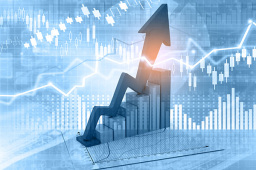 先开市先企稳 昨日大涨700点 港股市场走出了A股的架势